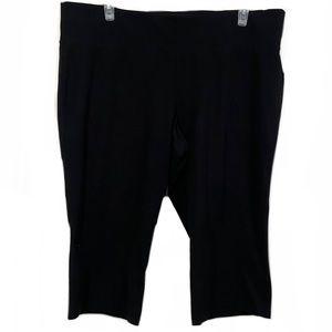 Livi Activewear Plus Size Black Athletic Capris